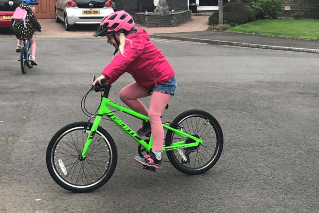 Giant ARX 20 Kidsk Bike - Roe Valley Cycles - Northern Ireland