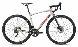 Giant Revolt Advanced 2 Gravel Bike (2020)