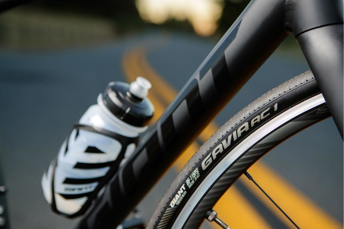 Testers were impressed with the tubeless-ready wheels and high-volume 28c tires that come stock on the Contend SL. Photo courtesy BikeRadar.com