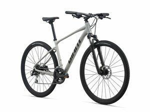 Giant Roam 3 Disc Adventure Bike - 2021 - Roe Valley Cycles